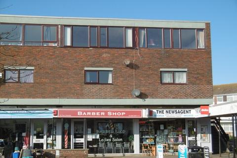 2 bedroom property to rent - The Parade, Pagham, Bognor Regis, West Sussex. PO21 4TW