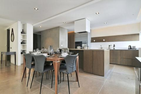 3 bedroom flat to rent - Babmaes Street, St James's, London, SW1Y