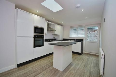 6 bedroom block of apartments for sale - Stanley Street, Southport