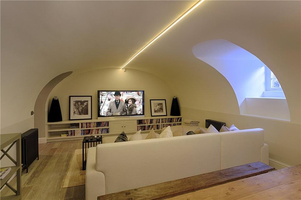 Bath   Cinema Room