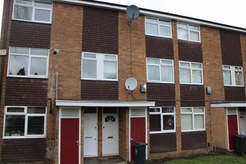 2 bedroom maisonette for sale - Lyndwood Court, Stoneygate