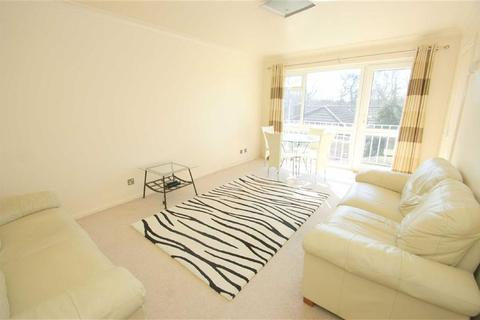 2 bedroom flat to rent - Slaid Hill Court, Alwoodley, LS17