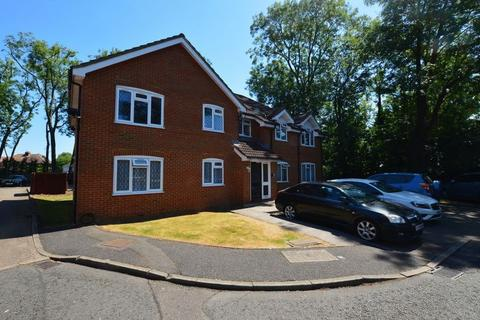 2 bedroom apartment for sale - Whisperwood Close, Harrow