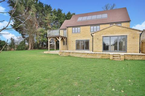 5 bedroom detached house for sale - BRIZE NORTON, Meadow View OX18 3LY