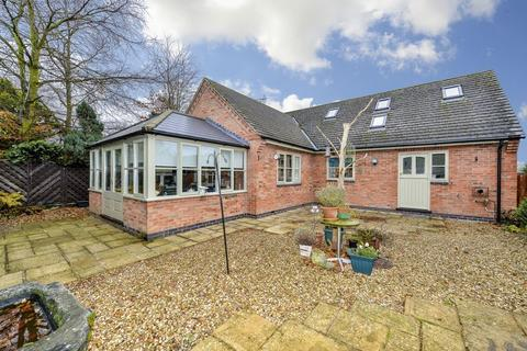 3 bedroom bungalow for sale - Weskers Close, Clipston