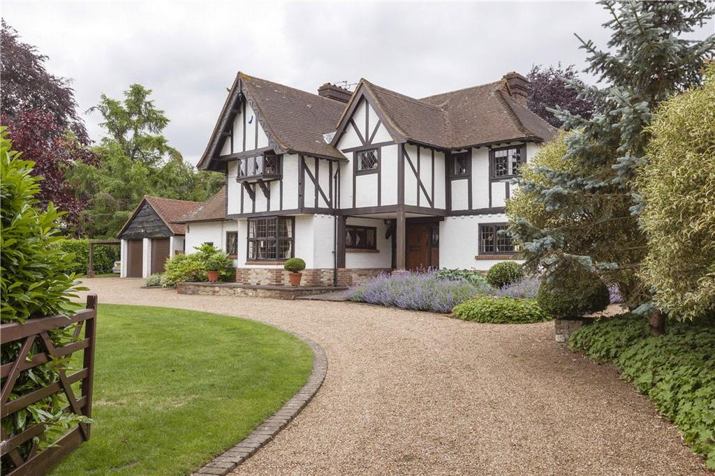 5 Bedrooms Detached House for sale in The Warren, East Horsley, Leatherhead, Surrey, KT24