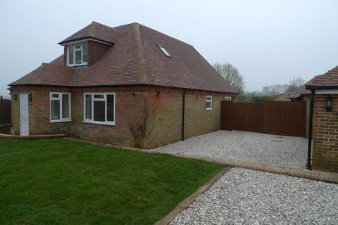 4 bedroom detached bungalow to rent - Downend Lane Chieveley