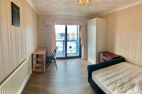 2 bedroom apartment to rent - Ferrara Quay, Maritime Quarter