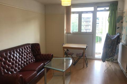 2 bedroom apartment to rent -  port tennant