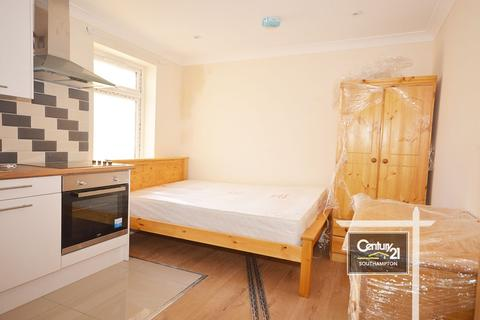 Studio to rent - |REF: S3|, Onslow Road, Southampton, Hampshire, SO14