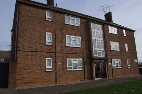 2 bedroom flat to rent - Trent Avenue, Chelmsford, Essex, CM2 1LQ