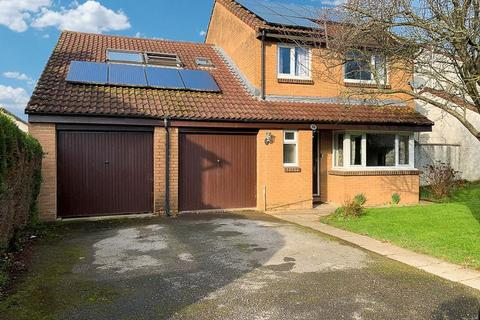 5 bedroom detached house for sale - Troarn Way, Chudleigh