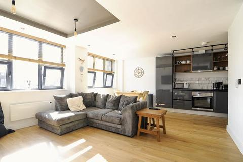 2 bedroom apartment for sale - 3 Sandbanks Road, Poole
