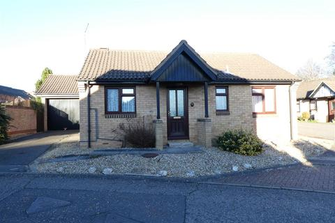 2 bedroom bungalow for sale - Barn Owl Close, East Hunsbury, Northampton