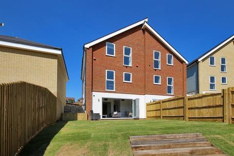 3 bedroom semi-detached house for sale - Castle View, off Castle Dene, Maidstone