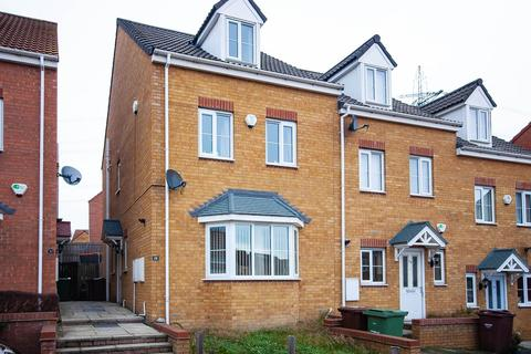 4 bedroom semi-detached house for sale - Springfield Close, Lofthouse