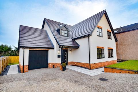 4 bedroom detached house for sale - Red Road, Buckley