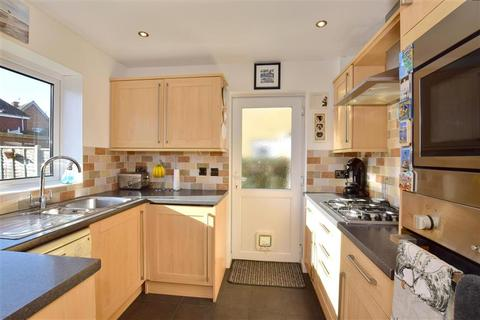 3 bedroom semi-detached house for sale - Fellmead, East Peckham, Tonbridge, Kent