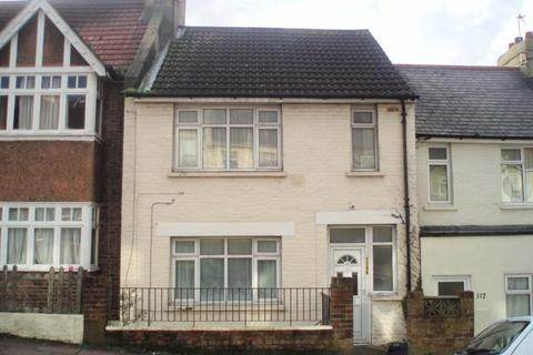 3 bedroom terraced house to rent - Milner Road, Coombe Road