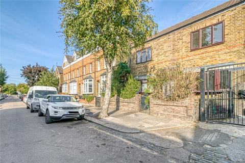 2 bedroom semi-detached house to rent - Grove Park Road, Right Hand Unit, London, N15