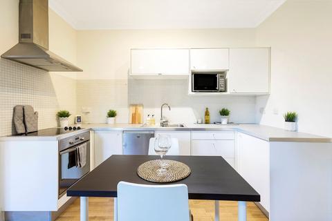 Studio to rent - St Helens Gardens, W10