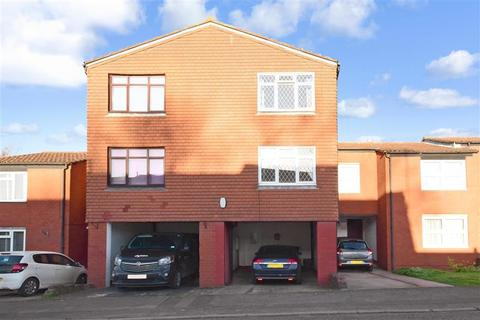 3 bedroom townhouse for sale - Newteswell Drive, Waltham Abbey, Essex