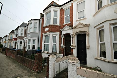4 bedroom terraced house for sale - Howard Road, Cricklewood, LONDON