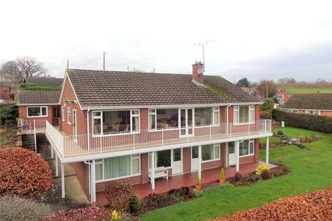 4 bedroom detached bungalow for sale - Blue Bell Drive, Welshpool, Powys