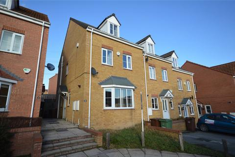 4 bedroom semi-detached house for sale - Springfield Close, Lofthouse, Wakefield, West Yorkshire