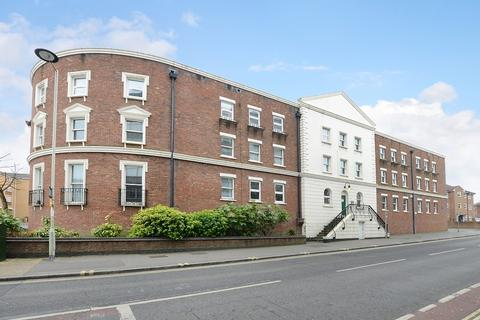1 bedroom apartment to rent - Stratfield House, Birchett Road