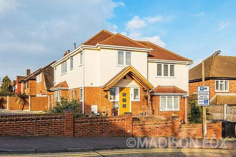 3 Bedroom Detached House For Sale Mount Pleasant Road Chigwell Ig7
