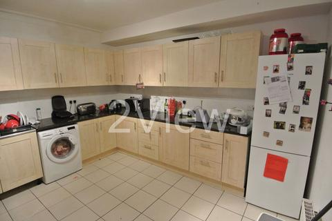 6 bedroom house to rent - Becketts Park Crescent, Leeds, West Yorkshire