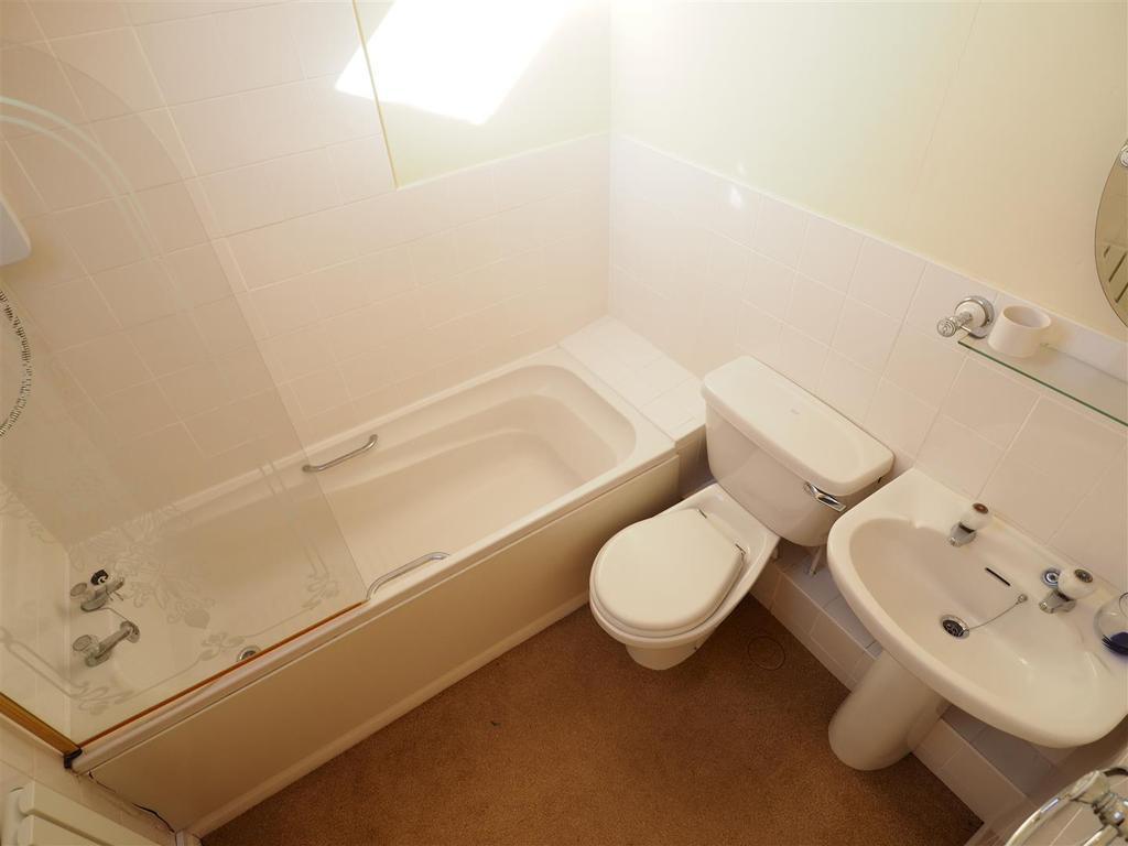 First Floor Bathroom 501
