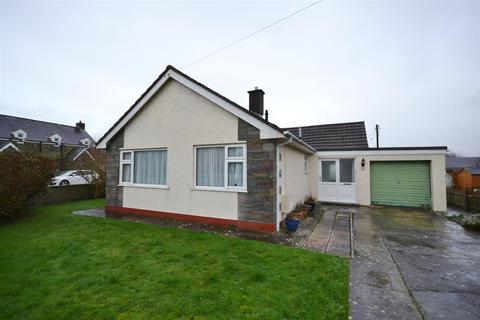 3 bedroom detached bungalow for sale - Penbanc, Fishguard