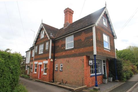 2 bedroom semi-detached house to rent - The Street, Benenden, Kent, TN17 4DB