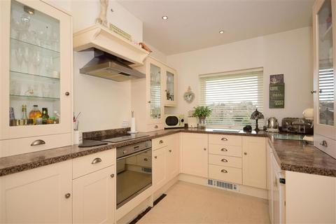 2 bedroom flat for sale - Connington Crescent, Chingford