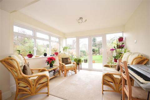 4 bedroom detached house for sale - Swinburne Avenue, Broadstairs, Kent