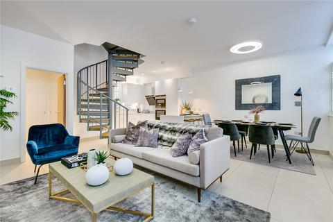3 bedroom mews to rent - Denbigh Close, London