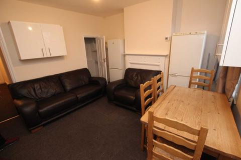4 bedroom house to rent - Essex Street, Reading