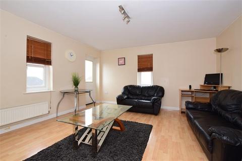 2 bedroom apartment for sale - Glandford Way, Chadwell Heath, Essex