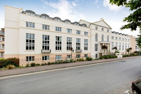 2 bedroom apartment - The Den, Teignmouth