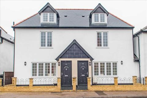 3 Bedroom Semi Detached House For Sale High Street Green Street Green