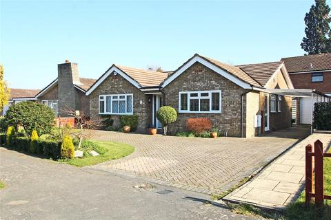 3 bedroom detached bungalow for sale - Flower Crescent, Ottershaw, Surrey, KT16