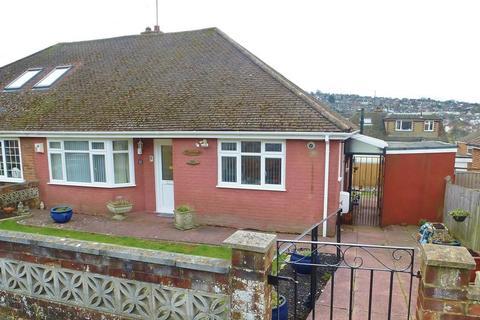 2 bedroom semi-detached bungalow for sale - Stoneleigh Avenue, Patcham, Brighton
