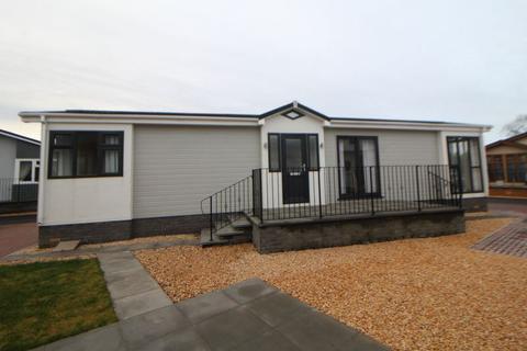 2 bedroom detached bungalow for sale - Bishop View, Leven Park, Kinross