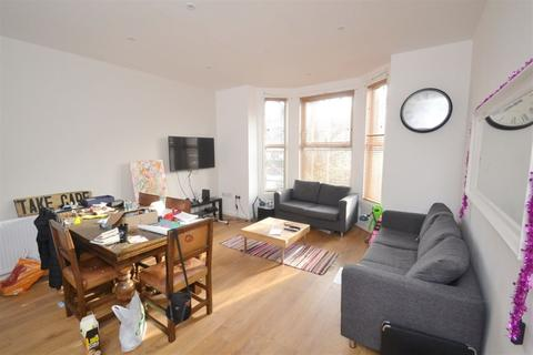 7 bedroom apartment to rent - Brook Road, Manchester