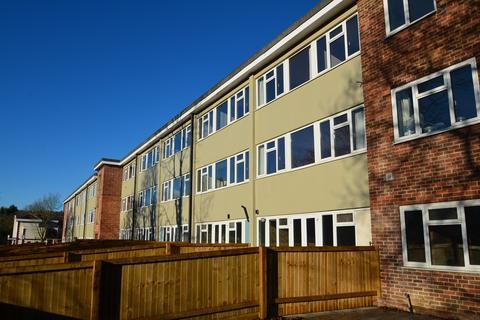 2 bedroom flat for sale - Queens Court, Brimscombe, Stroud, GL5