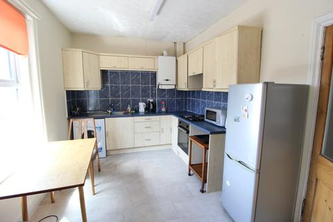 3 bedroom flat to rent - Charminster Road, Bournemouth, Dorset