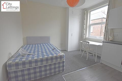 Studio to rent - Burns Street, Nottingham