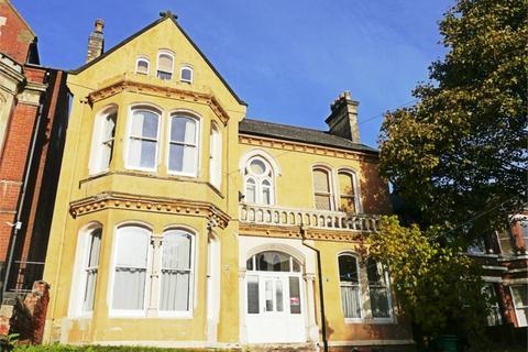 Studio to rent - Burns Street, Nottingham